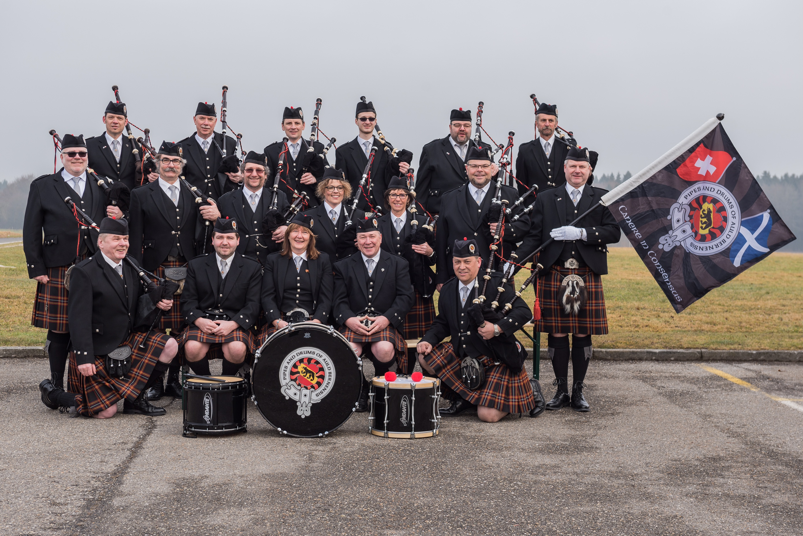 Pipes-and-Drums-auld-Bernensis_Aktiv_1