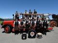 "Pipes and Drums of Auld Bernesis auf dem ""Lisi"", dem Oldtimer des Feuerwehrvereins Herzogenbuchsee."